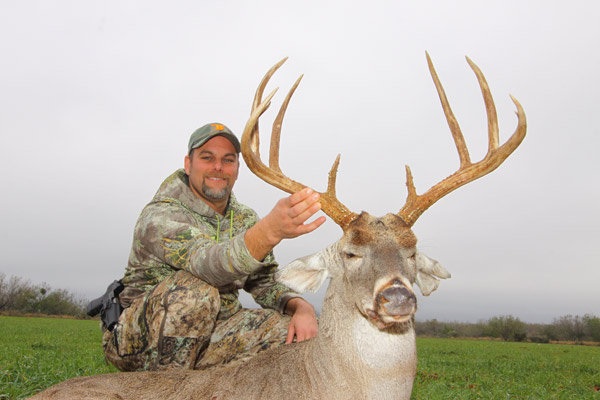 The Las Raices Ranch Trophy Whitetail Deer hunting ranch